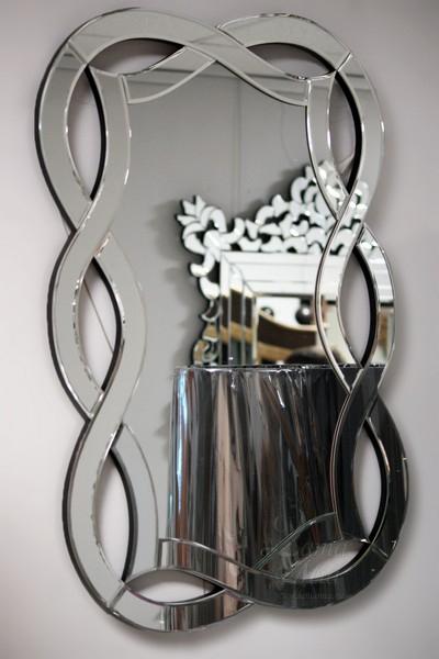 Фигурное зеркало на стену 17-0925 купить в интернет магазине lamamia.ru с бесплатной доставкой по Москве