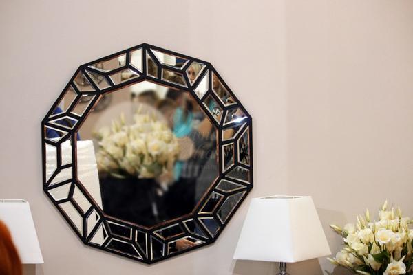 Зеркало многоугольное с чёрной рамой 17-6604 купить в интернет магазине lamamia.ru с бесплатной доставкой по Москве