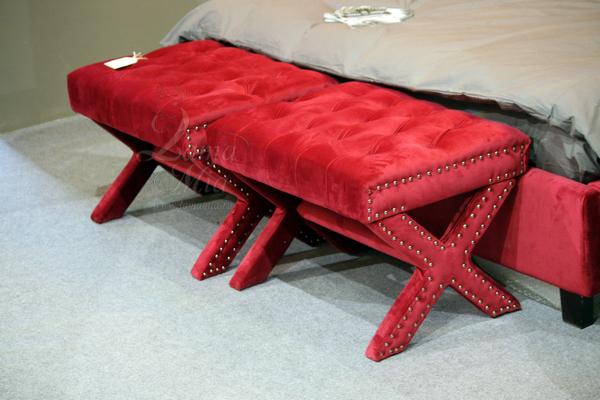 Банкетка красная велюровая Neil 5825RE купить в интернет магазине lamamia.ru