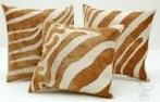 Подушка зебра бело-коричневые полоски
