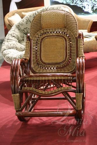 Кресло-качалка из ротанга в магазине lamamia.ru