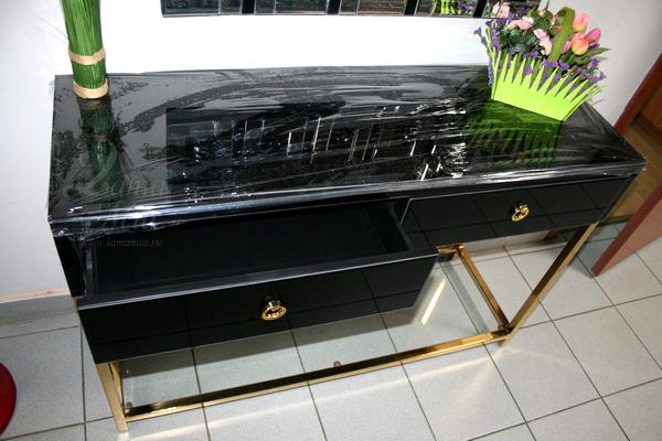 Купить консоль KFC762 чёрную зеркальную с золотыми ножками в интернет магазине lamamia.ru