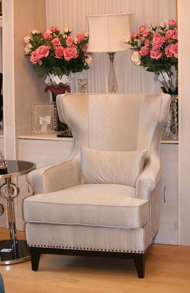 Кресло бежевое высокое с подушкой ZW-63601 купить в интернет магазине lamamia.ru с бесплатной доставкой