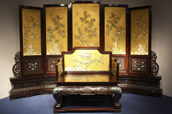 Мебель периода династии Мин. Шанхайский музей.