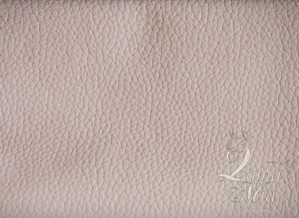 Образец кожаной бежевой обивки кресла для отдыха Маэстро и кресел-качалок Маэстро (модели 9-Д, 9-К, 41, 013.0042, 013.0041, 013.009)