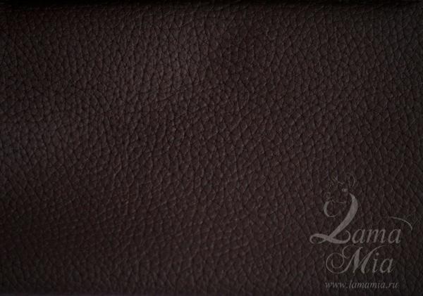 Образец кожаной тёмно-коричневой матовой обивки кресла для отдыха Маэстро и кресел-качалок Маэстро (модели 9-Д, 9-К, 41, 013.0042, 013.0041, 013.009)