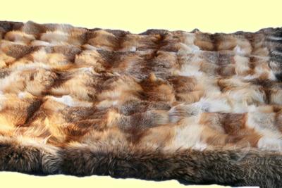 Покрывало из меха лисы с окантовкой мехом енота, 2,20 х 1,90 м
