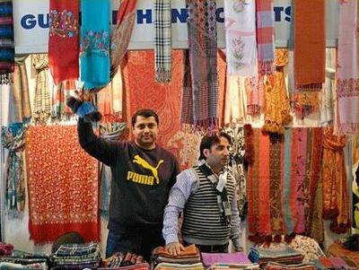 Стенд с индийским текстилем с предыдущей выставки
