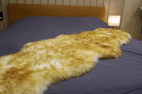 Овчина Новозеландская 2-х шкурная цвет палевый (1,85 х 0,55 м) купить в интернет магазине lamamia.ru