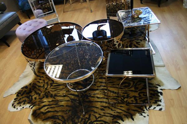 Стеклянные столики в интернет магазине lamamia.ru, телефон +7(495)795-13-72