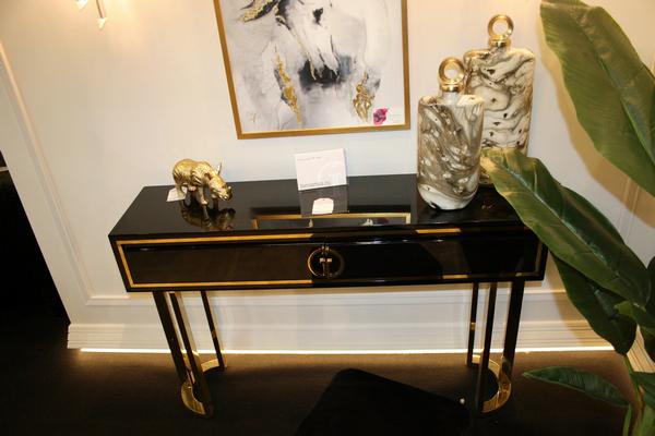 Консоль чёрная с золотом GD-CST002 купить в интернет магазине lamamia.ru